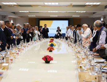 """The Prime Minister, Shri Narendra Modi interacts with the economists and experts on the theme """"Economic Policy – The Road Ahead"""", in New Delhi"""